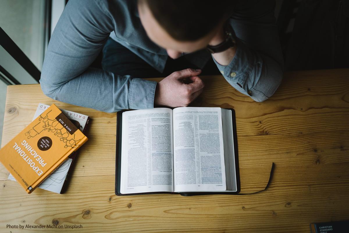 Theologie studieren: Ein Beruf mit Perspektiven?
